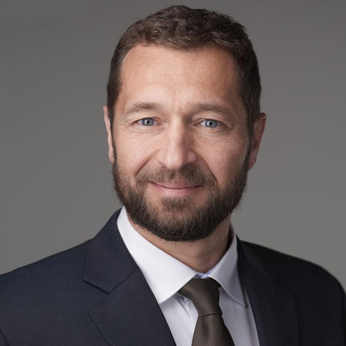 Dr. István Molnár